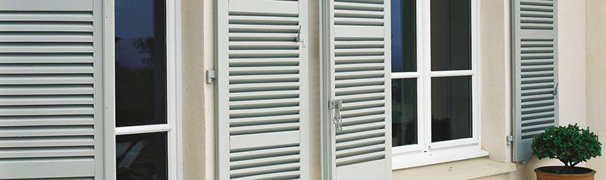 produits de r novation bois et fer ext rieurs terrasse salon de jardin portail volets. Black Bedroom Furniture Sets. Home Design Ideas