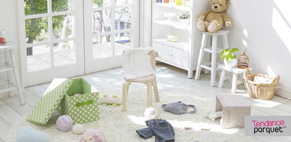 Relooker et peindre un meuble en bois parquet escalier for Peindre parquet stratifie