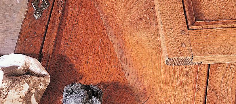 D cirer un meuble en bois comment d caper un meuble cir for Peut on vernir un meuble cire