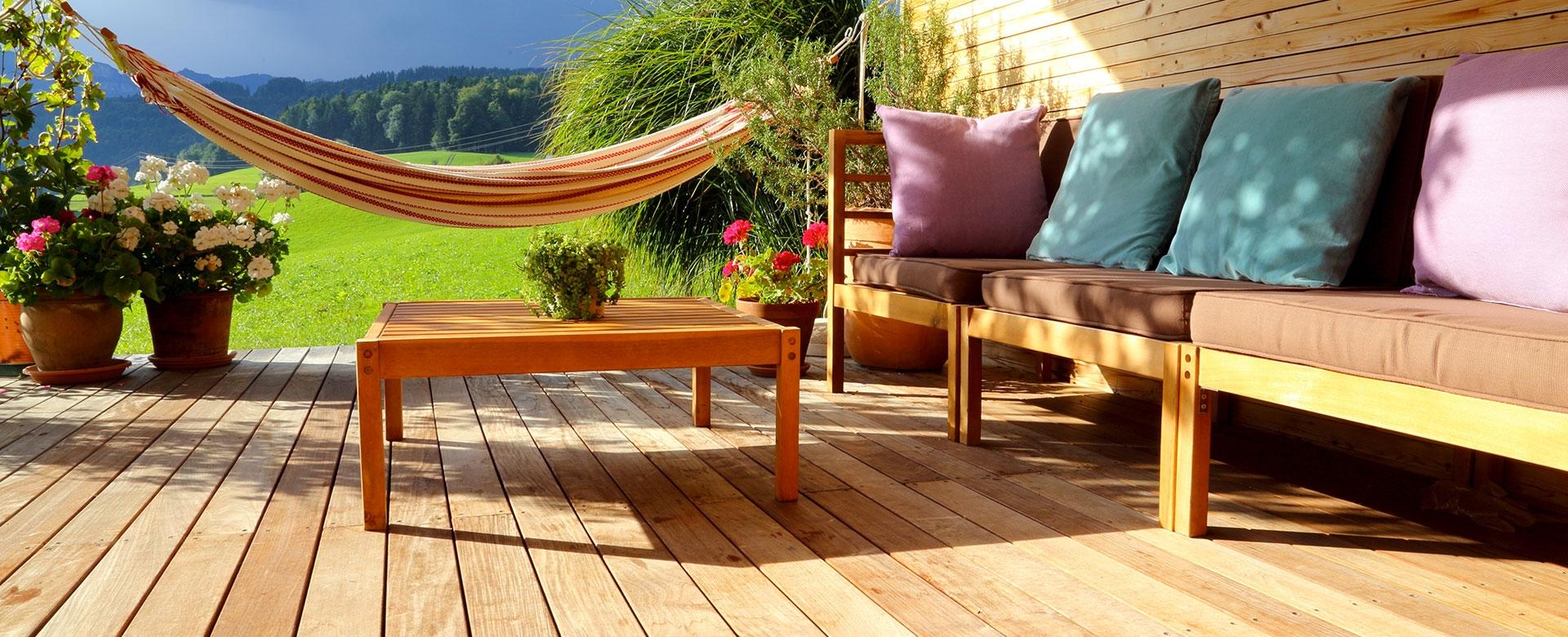 peinture lasure bois syntilor produit d 39 entretien du bois. Black Bedroom Furniture Sets. Home Design Ideas