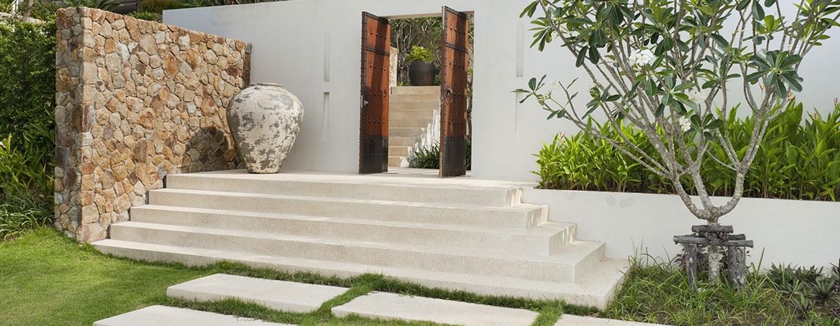 Protections et vernis murs toitures sols extérieurs
